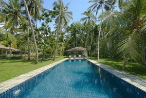 Ivory House - Simple and Relaxing Villa
